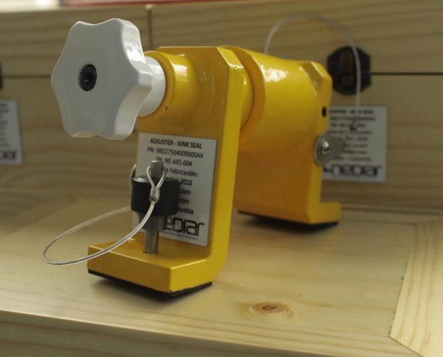 Adjuster-Kink-Seal-2