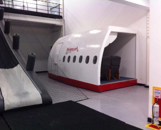 Avianca-Col.-Door-Trainer-B787-5