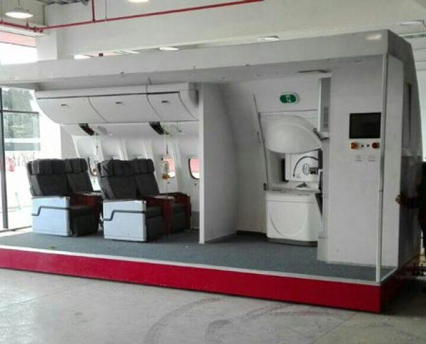 Avianca-Col.-Door-Trainer-B787-6
