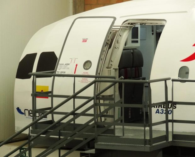 Avianca-Col.-Mock-Up-A320-A330-4